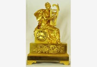 Старинные каминные часы с боем «Муза лирической и любовной поэзии -Эрато»